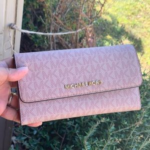 Michael kors jet set trifold signature wallet